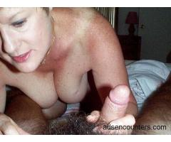 If u are a woman trying to have sum kinky fun hit us up - mw4w - 54/52 - Miami FL