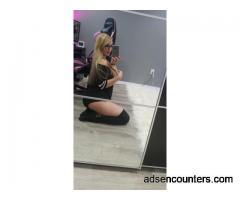 Looking To Be A Pillow Princess - w4m - 24 - Las Vegas NV